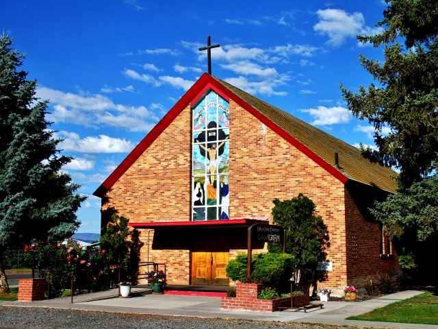 Tulelake, Holy Cross Church